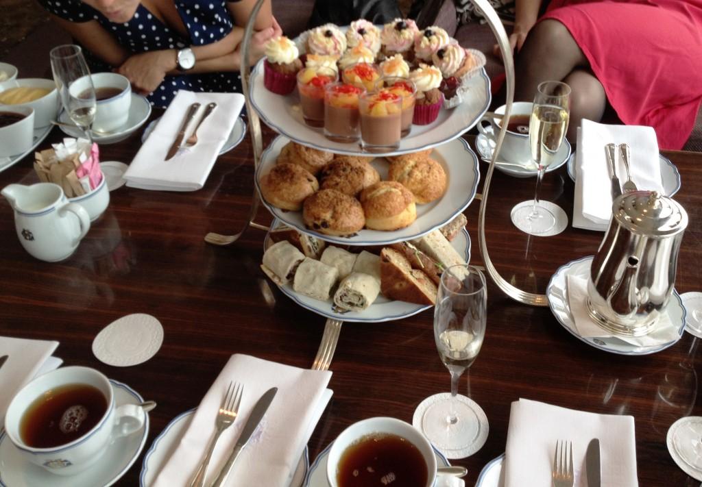 afternoon-tea-cardierbaren-grand